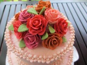 Gumpaste Roses: Tutorial