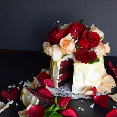 Red Velvet Bouquet Cake