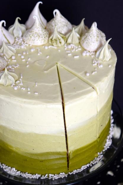 Matcha Meringue Cake